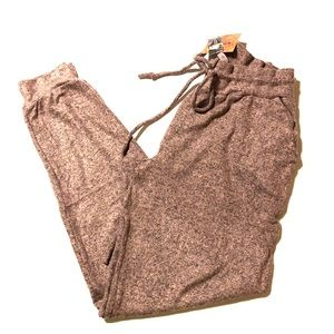 NWT SUPER soft sweatpant joggers with pockets!